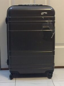 "Brand New Samsonite 24"" Suitacse"