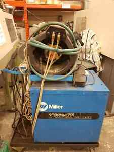 Miller Syncrowave 250 DX Tig Welder 250 amps with Coolmate 4 wat