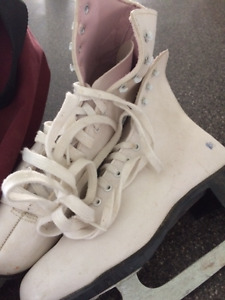 Size 7 US Skates for sale in great condition.