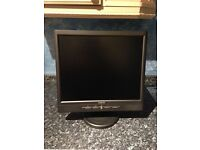 Avidav 17 Inch LCD TFT Monitor With Built-In Speakers. Black