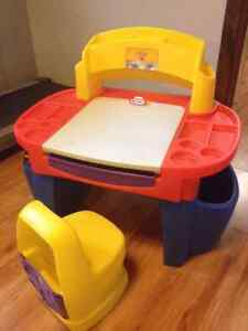 Little Tykes Desk with lamp and chair