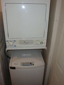 """GE Apartment size 24"""" washer and dryer in excellent condition an"""