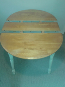 Maple Dining Table w/ Leaf and Chairs $100