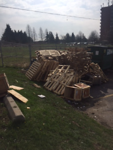 free wood crates and wood skids/palletts
