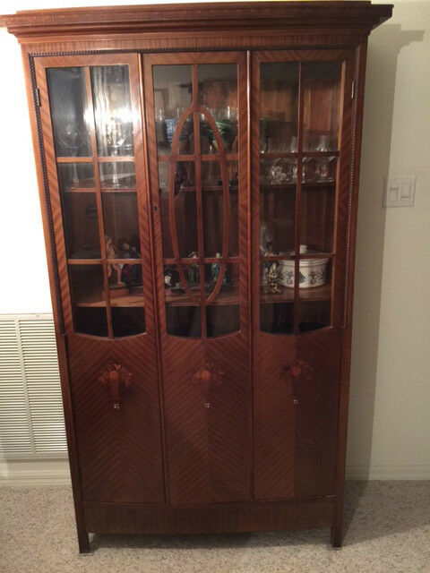 EXQUISITE MOTHER OF PEARL INLAY CHINA CABINET WITH HANDBLOWN GLASS 19TH CENTURY?