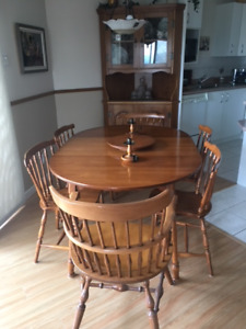 6 place Roxton dining room set and corner cabinet