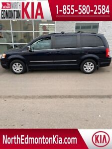 2010 Chrysler Town & Country TOURING | LEATHER | SUNROOF |