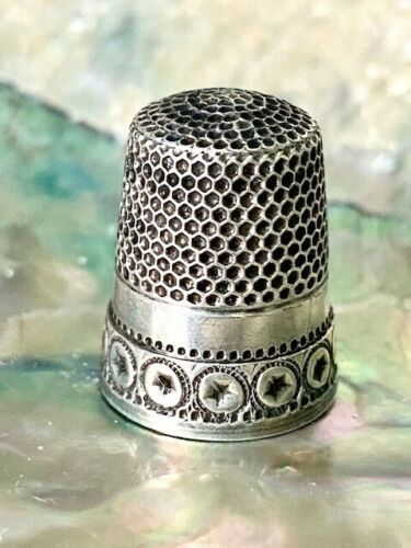 Antique Sterling Silver Thimble Waite-Thresher Co. Beautiful Band!