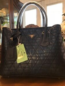 PURSE BRAND NEW WITH TAG