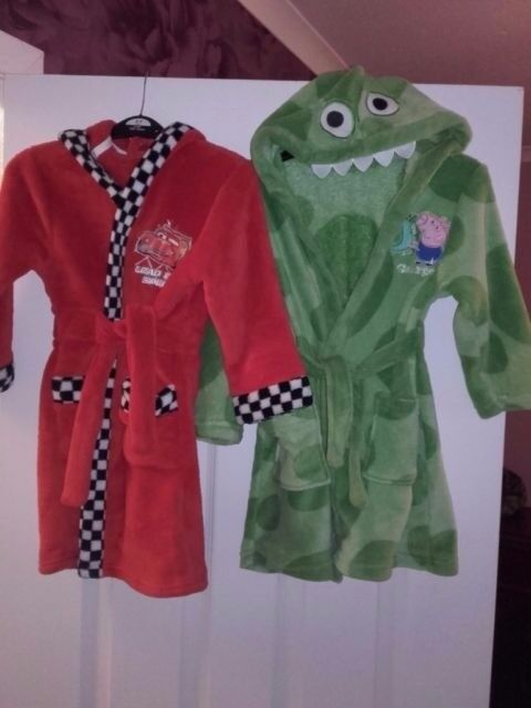 Immaculate, 2x 3-4 years dressing gowns. Green George pig with ...