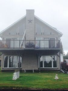 Beautiful home with panaramic view of Vermillion Lake Chelmsford