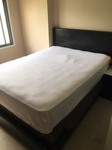 Luxury mattress + bed frame and boxspring