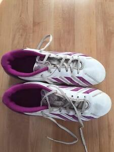 LADIES ADIDAS CLEATS-SIZE 8