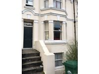6 BED ATTRACTIVE COMFORTABLE STUDENT HOUSE, NO FEES, EXCELLENT LOCATION LEWES ROAD/DE MONTFORT RD