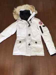 Canada Goose expedition parka sale 2016 - Montebello | Kijiji: Free Classifieds in Canada. Find a job, buy a ...