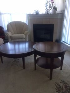 2 round coffee and end tables