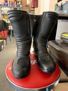 Davos gaerne Motorcycle Boots Italian made Women's size 10