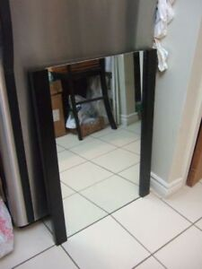 New mirror wooden frame with mounting accessories 24x 32,2615