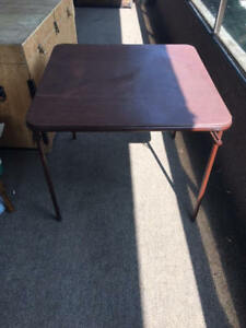 Foldable leather table