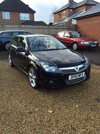 Vauxhall Astra 1.8 VVTi 2010. 5 door in black.
