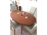 Dining Table and 4 MultiYork chairs