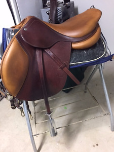17.5 CWD Close Contact Saddle. Very good condition