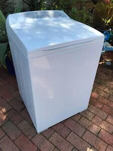 FISHER & PAYKEL 8KG WASHSMART WASHING MACHINE 18 MTHS OLD DELIVER Happy Valley Morphett Vale Area Preview