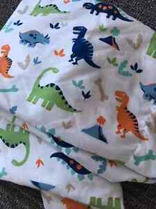 Dinosaurs - like new Double Sheet set