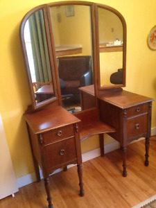 Dresser with triple mirrors