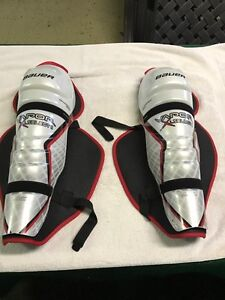 BAUER VAPOUR SHIN GUARDS