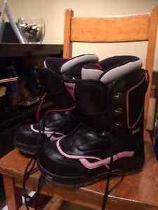women's Van snowboarding boots