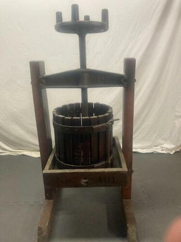 Antique Hocking Valley Oasis Fruit and Wine Press