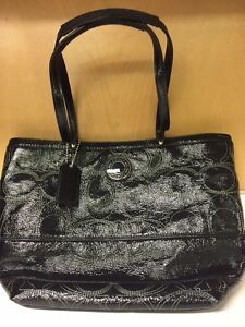 COACH black shoulder bag *NEW*