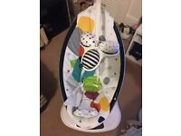 4Moms Mamaroo hardly used and in good condition