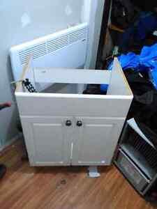 Bathroom vanity 24 inches wide