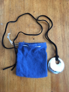 SILVER NECKLACE WITH PROTECTIVE POUCH
