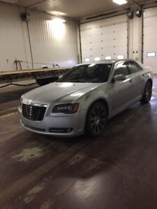 2012 Chrysler 300 **EXCELLENT CONDITION**