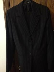 Black Woman's Suit Jacket and Pants - Size 6 - LIKE NEW