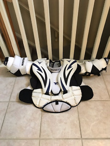Vaughn V5 7490i Intermediate X Lrg Chest Protector - more goal