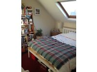 Double room with En suite available just off Cowley Road