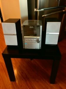 PANASONIC CD STEREO SYSTEM AND SPEAKERS