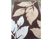 Very beautiful rug in very good condition only £25