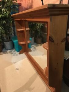MIRRORED HUTCH - SOLID PINE - Free