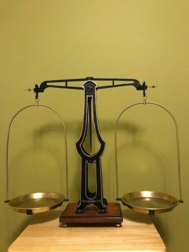Antique 10KG Equal Arm Justice Scale With Weights