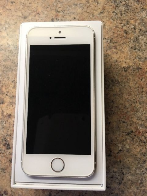 Unlocked iPhone 5s, Excellent condition, 16 gb, can deliverin Hassocks, West SussexGumtree - Hi everyone,Heres my iPhone 5S for saleIts in perfect condition and fully workingWhite/Silver colour Its 16 gb Unlocked to all networks Just had brand new home button Has very light scratch around the frame from normal use , but the screen is mint no...
