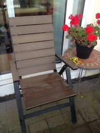(2) Outdoor Patio Chairs