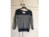 Gorgeous Abercrombie & Fitch striped light jumper
