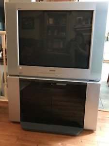 "Sony 32"" Trinitron TV with Stand & remote"