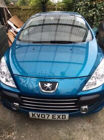 excellent car to drive well maintained and serviced mot til May 2017 multi CD player hands free talk