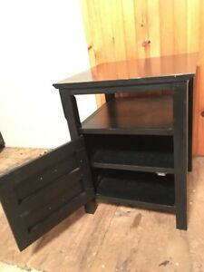 BLACK NIGHT TABLE OR END TABLE - VERY SOLID Peterborough Peterborough Area image 2
